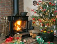 暖炉とツリーとプレゼント