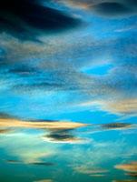 夜明けの東の空