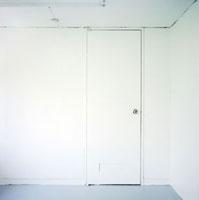 白い部屋 01143045406  写真素材・ストックフォト・画像・イラスト素材 アマナイメージズ