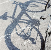 マウンテンバイクの影