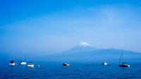 西浦から望む駿河湾と富士山