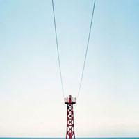 赤い防波堤灯台