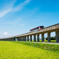 田園を走るレールバス 鹿島鉄道