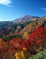 紅葉と吾妻小富士  福島県