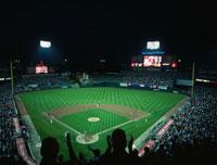 野球観戦 01184090279| 写真素材・ストックフォト・画像・イラスト素材|アマナイメージズ
