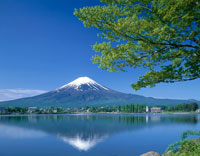 河口湖と富士山   山梨県