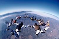 スカイダイビング 01281010530| 写真素材・ストックフォト・画像・イラスト素材|アマナイメージズ