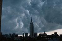 ビル群と空(灰色) ニューヨーク アメリカ 01283004395| 写真素材・ストックフォト・画像・イラスト素材|アマナイメージズ
