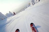 山形蔵王スキー場とスキー板 山形市 山形県 01287090744| 写真素材・ストックフォト・画像・イラスト素材|アマナイメージズ