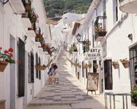 ミハスの坂道 アンダルシア地方 スペイン 01335007582| 写真素材・ストックフォト・画像・イラスト素材|アマナイメージズ