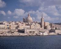 海とバレッタの街並 マルタ