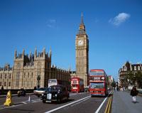 ビックベンの二階建バスと時計塔 ロンドン イギリス