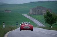 走る車 イタリア