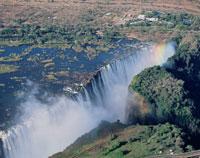 ビクトリア滝と虹 01431004542| 写真素材・ストックフォト・画像・イラスト素材|アマナイメージズ