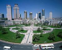 中山広場と緑 大連 中国