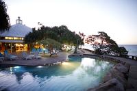 Heron Island Resort at night, western Heron Island, Great Barrier Reef Marine Park, UNESCO World Heritage Site, Queensland, Aust