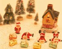 サンタクロースと家のミニチュア クラフト