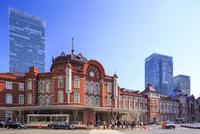 東京駅 丸の内北口 01538012800| 写真素材・ストックフォト・画像・イラスト素材|アマナイメージズ