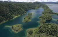 クツブ湖の空撮 パプアニューギニア