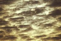 SUN BEHIND A DENSE CLOUD, OKAYAMA, JAPAN 01543011214| 写真素材・ストックフォト・画像・イラスト素材|アマナイメージズ