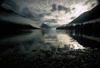 夜明けのアラバスター湖