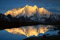 マカル山 とチョモロンゾ山