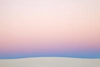 夕暮れの石膏の砂丘
