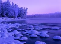 プトラナ台地 冬の川