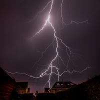 夏の雷 01543049280| 写真素材・ストックフォト・画像・イラスト素材|アマナイメージズ