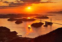 亀老山より来島海峡大橋と夕日