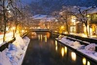 雪の城崎温泉夜景