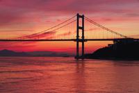 大島より来島海峡大橋の夕景