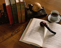 本とパイプとブックエンド