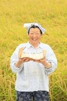 農家のシニア女性