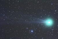 満天の星空とラブジョイ彗星 01615002295| 写真素材・ストックフォト・画像・イラスト素材|アマナイメージズ