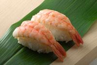 握り寿司 蒸エビ 01651098675| 写真素材・ストックフォト・画像・イラスト素材|アマナイメージズ