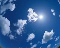 太陽と雲 01673002553| 写真素材・ストックフォト・画像・イラスト素材|アマナイメージズ