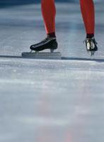 スピードスケート選手の足