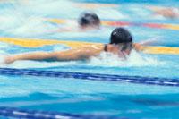 競泳の女子選手