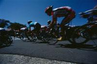自転車の男性選手