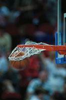 シュートしたバスケットボール 9月