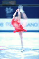 ソロのフィギュアスケートの女性