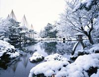 雪の兼六園 金沢市 石川県