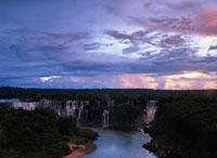 イグアスの滝夕景