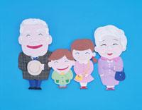 笑顔の祖父母と孫たちの家族 クラフト