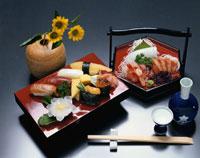 にぎり寿司と刺身