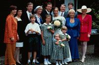 結婚式の記念撮影 01782005755| 写真素材・ストックフォト・画像・イラスト素材|アマナイメージズ