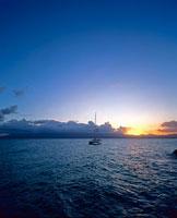 夕暮れの海 01782010440| 写真素材・ストックフォト・画像・イラスト素材|アマナイメージズ