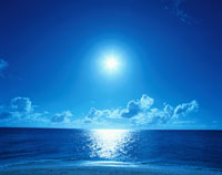 太陽と雲と青空と海    宮古島 沖縄県
