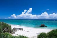 ワタンジ浜と海と雲 与論島